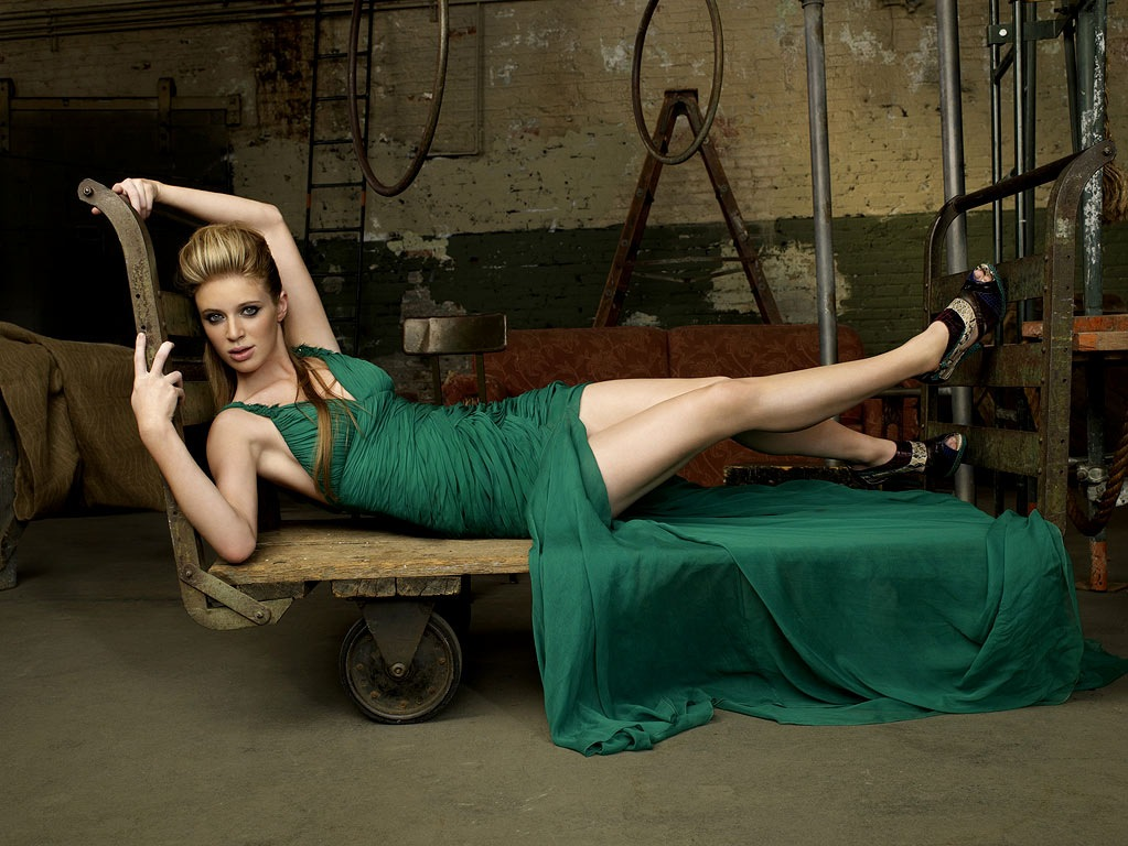 America's Next Top Model Cycle 13: Nicole or Laura? | Jong ...